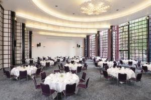 Tagungsräume Bremen: Der Borgward Saal ist für Seminare und Feierlichkeiten geeignet.