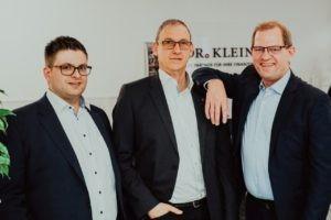 Mit Dr. Klein Zinsen sichern in Bremen – die Berater suchen die passende Anschlussfinanzierung für ihre Kunden.