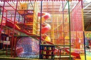 Der Spielplatz Bremen Stuhr bietet für jedes Alter etwas.