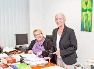 Anwalt Erbrecht: Kompetente Mitarbeiter, die sich regelmäßig weiterbilden, gehören zum Qualitätsstandard der Kanzlei Bruns & Dr. Redmann in Bremen.