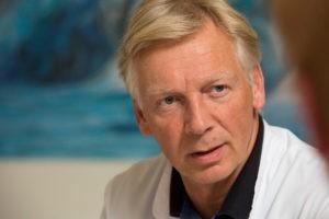 Darmkrebsbehandlung Chefarzt Professor Stephan M. Freys