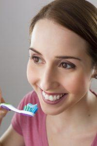 Professionelle Zahnreinigung: Putzen allein reicht nicht