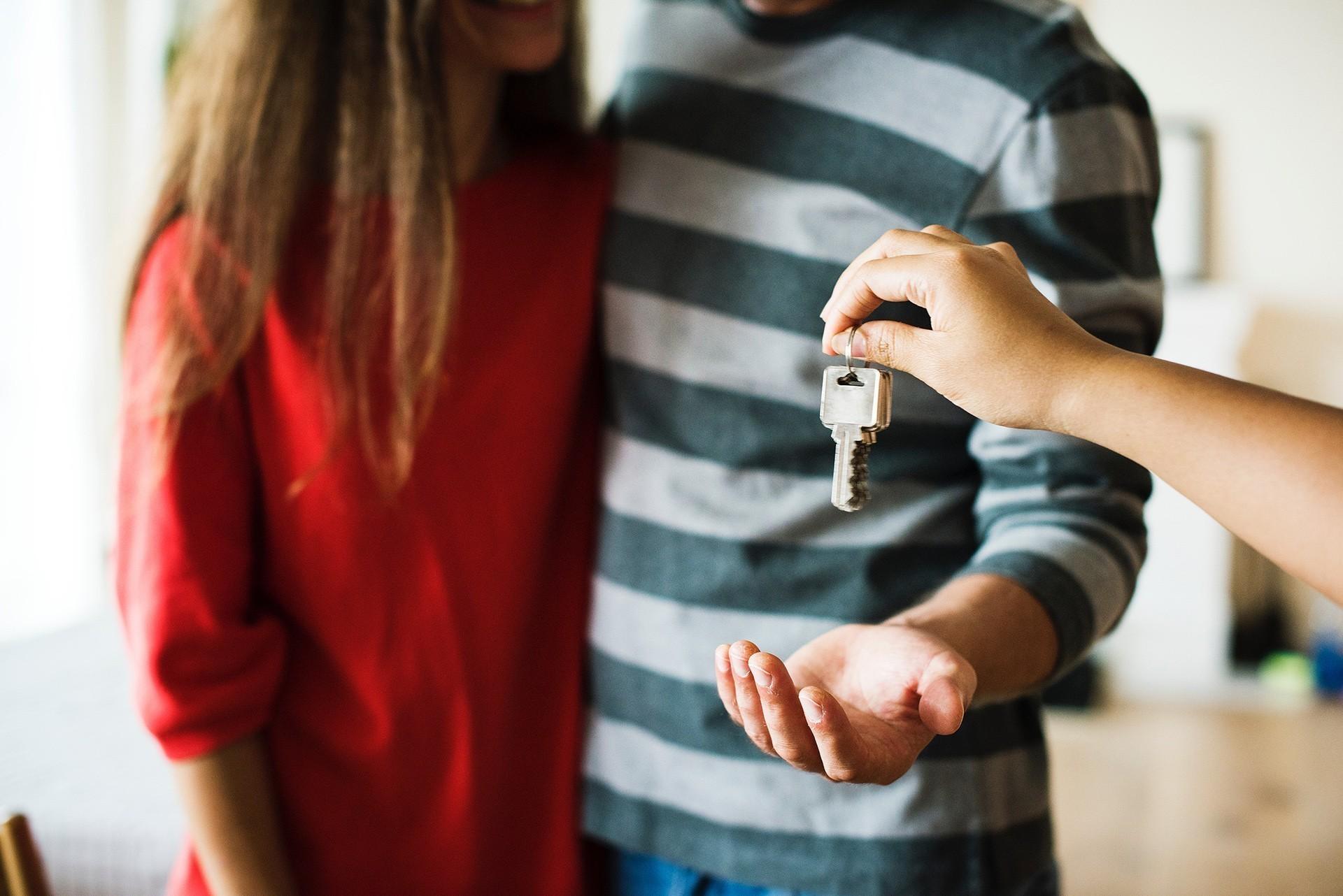 Schlüsselübergabe bei Hauskauf