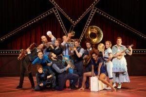 Zirkus Bremen Ensemble Cirque Éloize