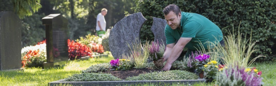 Friedhof Bremen: GE·BE·IN Grab
